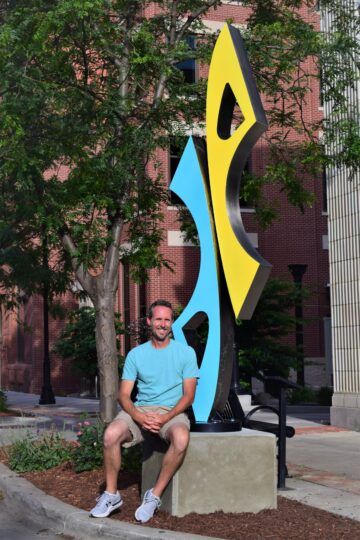 Chris Itsell & Sculpture 'Uplift'